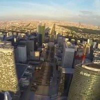 Survol de la Défense avec un drone